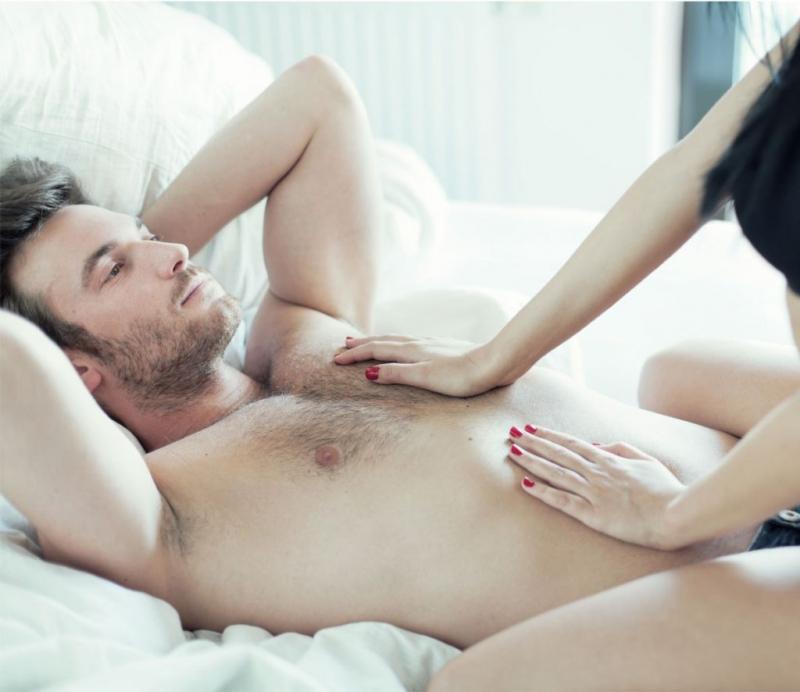 4個男人最渴望被觸摸,但90%的女人都不知道的敏感地帶...,學起來一定可以征服他!