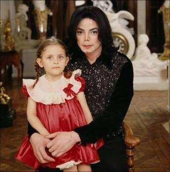 麥可傑克森的女兒竟然已經17歲了!不只走出喪父的悲傷...現在的模樣也美的太誇張了吧!