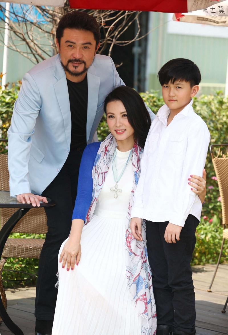 陳孝萱10歲的兒子「鐵弟」竟然不知道媽媽是演員?!製作人:她的低調與呵護孩子的貼心,讓人嘖嘖稱奇!