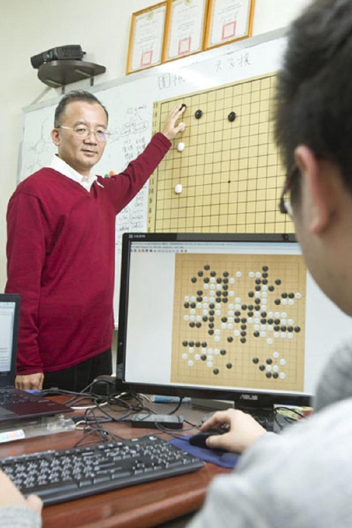 谷歌的AlphaGo用圍棋把事情說個清楚白AI人工人工智能的生長!台灣也有AlphaGo?祕密就藏在…