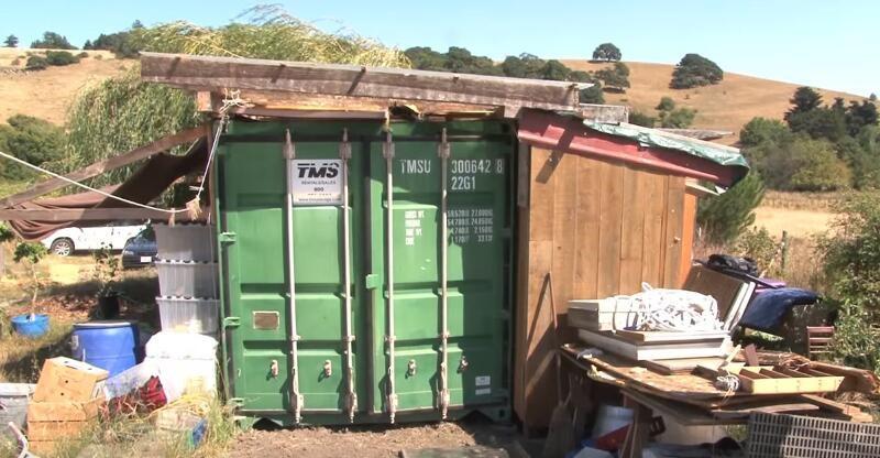 單親媽媽用「5坪左右的貨櫃箱」創造了奇蹟!門一打開裡面的「超巨大反差」讓大家都驚呆了!