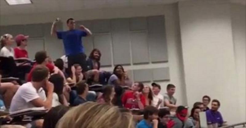 教授打賭說誰能把「紙球丟入40公尺外的垃圾桶中」就全班滿分,下一秒他當場崩潰…全班瘋狂!
