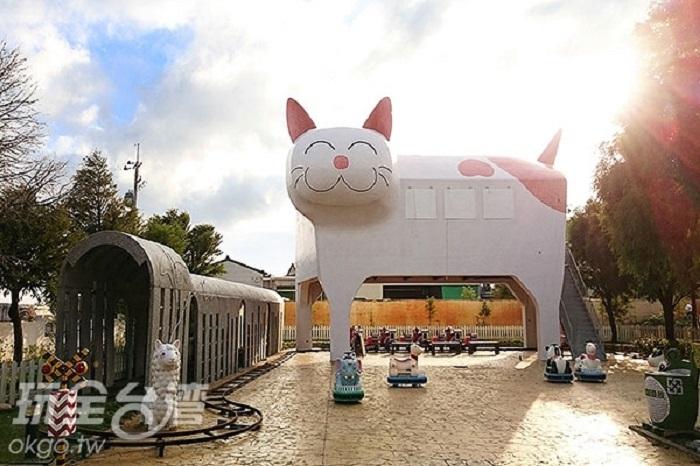 全台最大貓咪車站就在這!每一項設施都可愛到破表,絕對是孩子們的最愛...