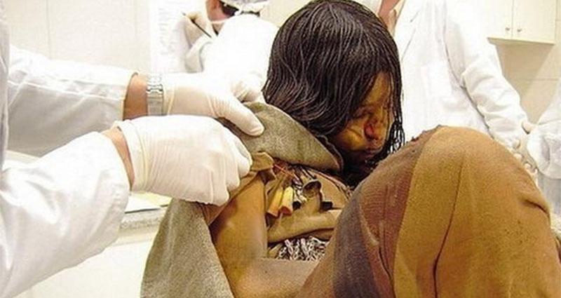 太驚悚!考古學家發現「隨時都會醒來」500年前少女木乃伊,頭髮中「驗出超大量毒品」揭發超黑暗死因......