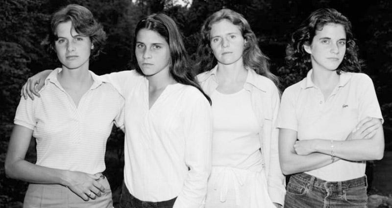4個好閨蜜在1975年拍下了這張合照,40年後她們再拿出來看,卻發現「和死神擦身而過的瞬間」