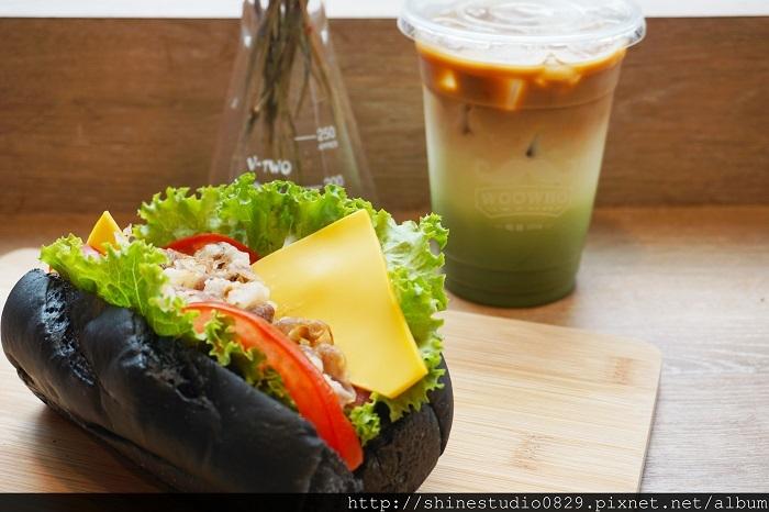 黑色的汉堡超吸睛!夏日轻食首选:这家店居然还有超梦幻渐层的手作饮料~~满满少女心啊!
