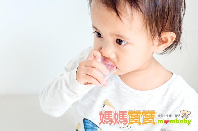 讓孩子順利服藥的方式有妙招!三分鐘搞懂如何正確使用嬰幼兒藥物?