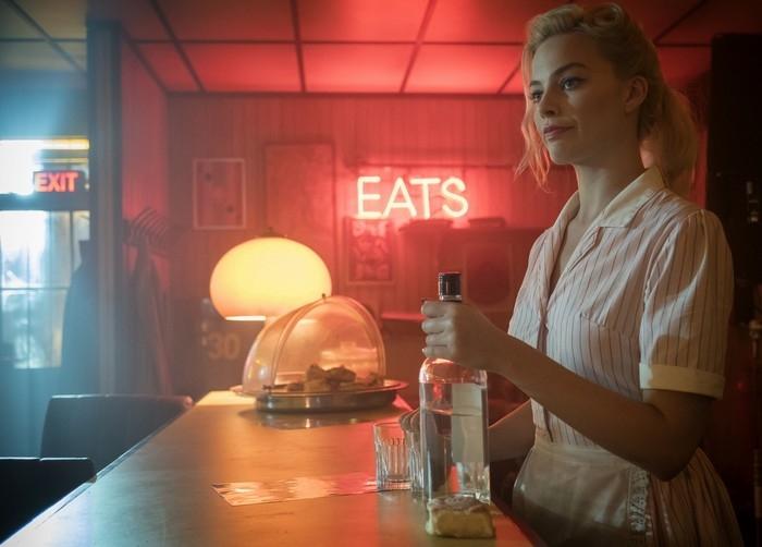 《刺殺終點戰》瑪格羅比盡情使壞戲外拼酒撂倒同劇男星老婆