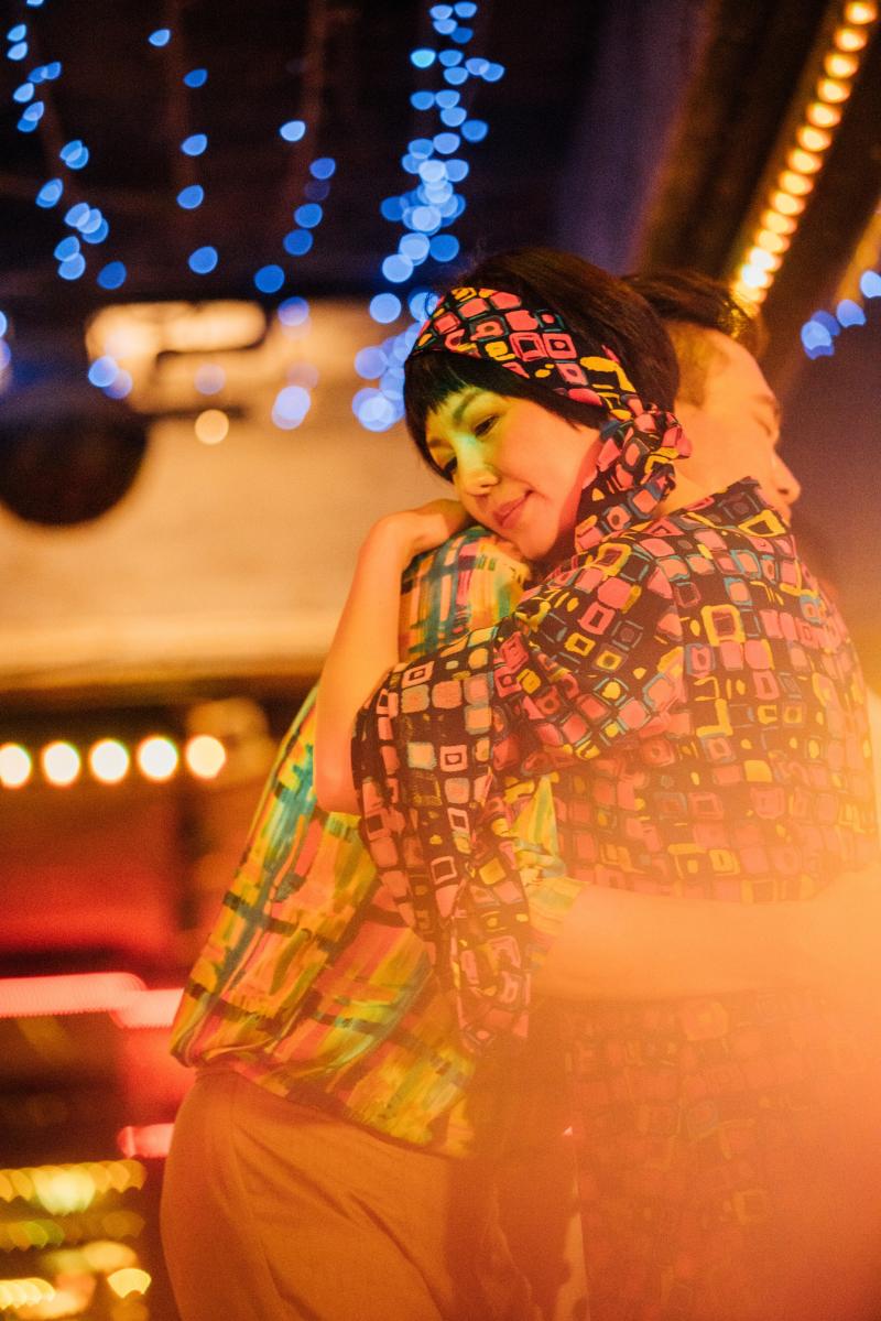 重溫70年代抽鑰匙機車聯誼 苗可麗化身迪斯可女神大炫舞技